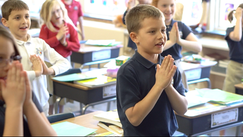 kids praying hands