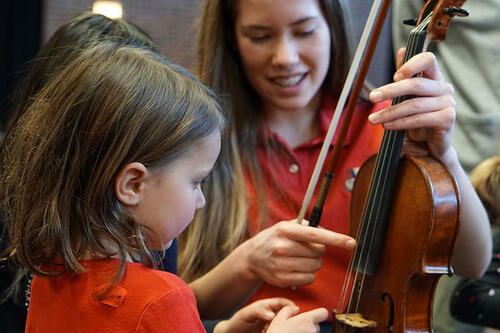 teaching-preschool-violin